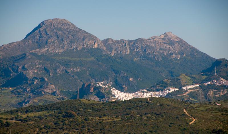 Casares vy från Monte Vinas