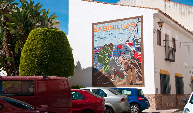 Mosaik på husvägg i Sabinillas
