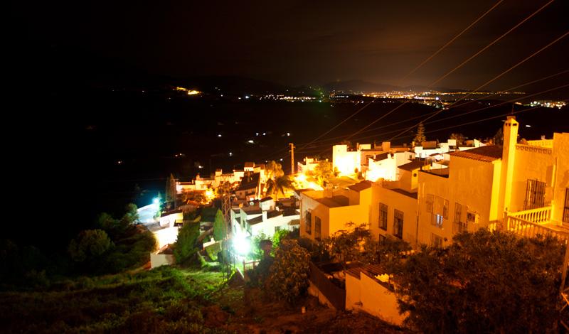 Kväll i Monte Viñas med omgivningar