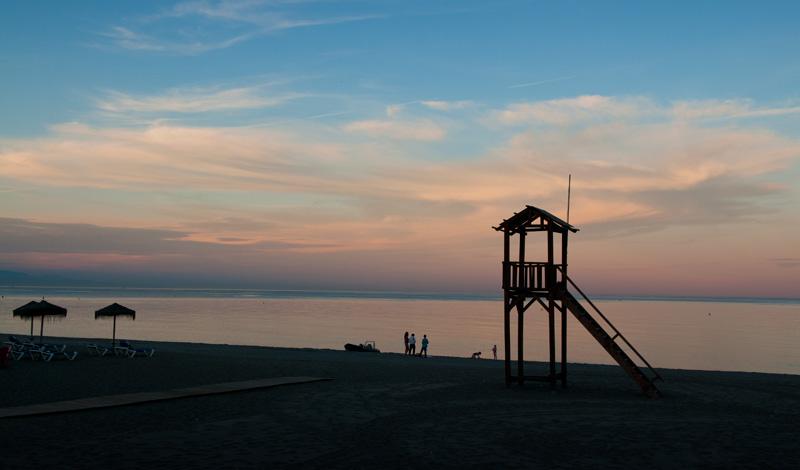 Skymning vid Sabinillas strand