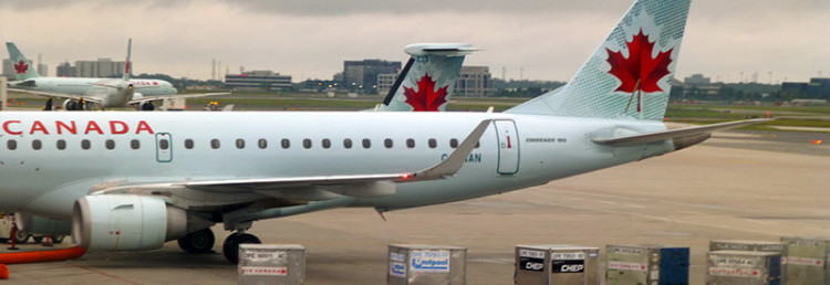 Air Canada airplanes at Toronto Airport