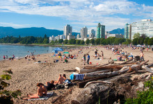 Dag på stranden, English Bay Beach, Vancouver