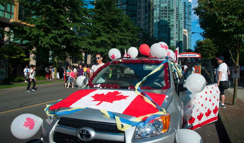 Bil dekorerad för Canada Day i Vancouver BC