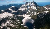 Flygtur över snötäckta berg och tåg till Seattle
