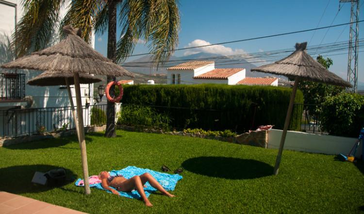 Lata timmar vid poolen, Monte Viñas