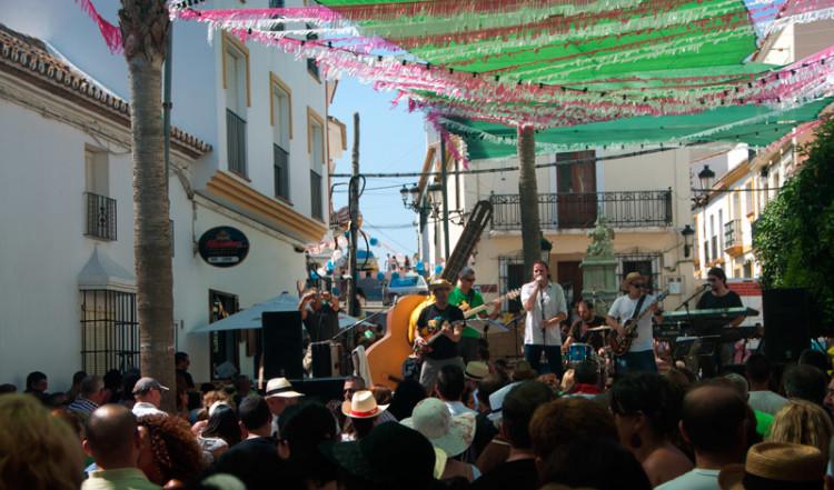 Live musik av Sótano Sur, Fiesta de la Vendimia, Manilva