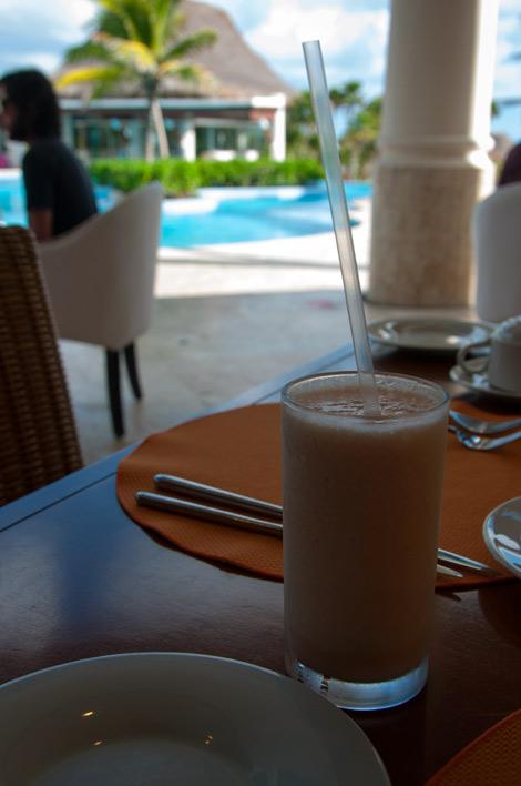 Frukost på Adonis, Tulum