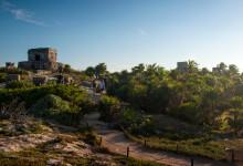Besök vid de vackert belägna mayaruinerna i Tulum