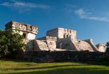 Tulum mayaruiner i eftermiddagssol