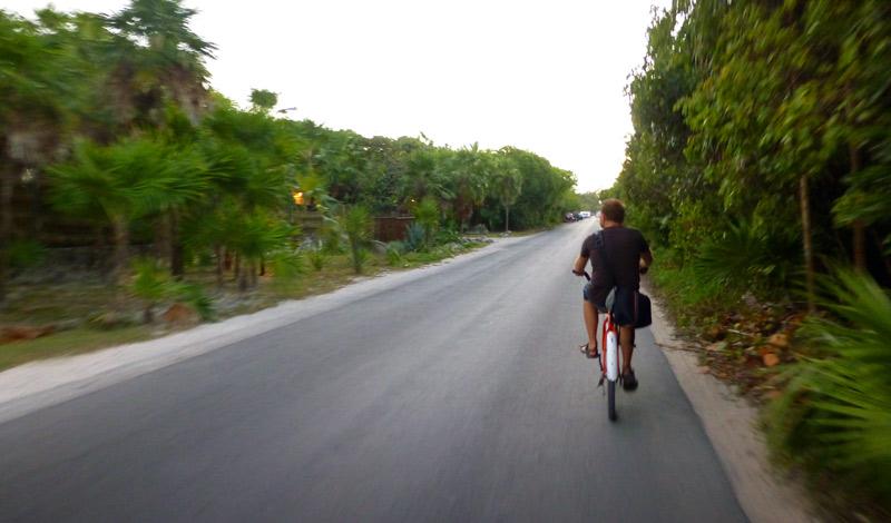Cykeltur från maya ruinerna tillbaka till hotellet