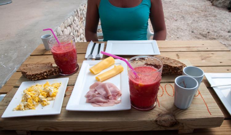 Frukost på Bijblauw Hotel, Willemstad, Curacao