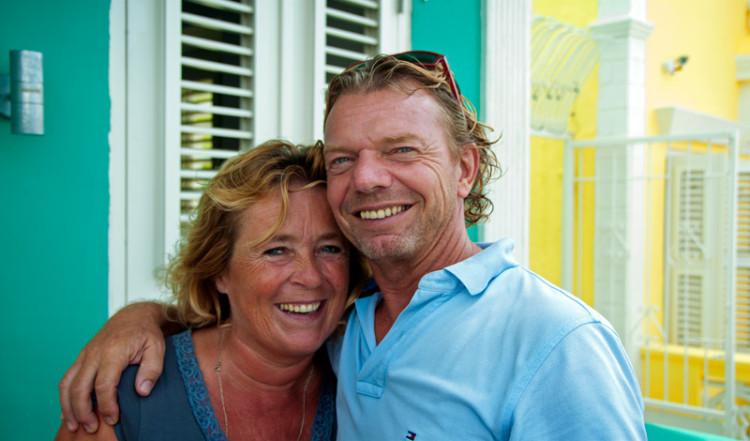 Britt och Ruud, ägarna till Bijblauw Hotel i Willemstad