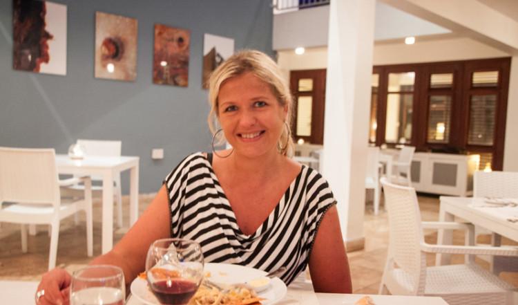 Anki på restaurangen till Floris Suite Hotel i Willemstad, Curacao