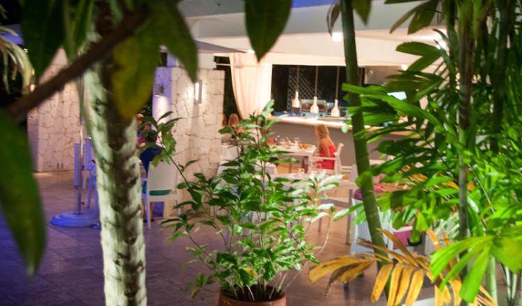 Restaurangens servering på Floris Suite Hotel i Willemstad, Curacao