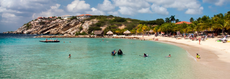 Stranden till Blue Bay Curacao Golf & Beach Resort