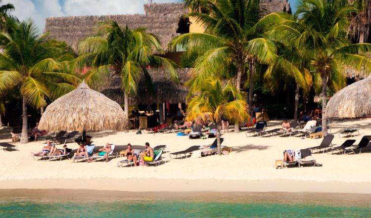 Stranden till Blue Bay Curaçao Golf & Beach Resort