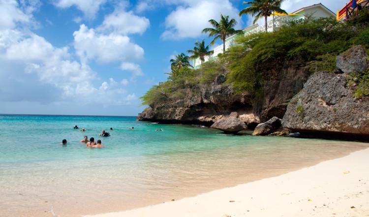 En av öns vackra stränder; Playa Lagun, Curaçao