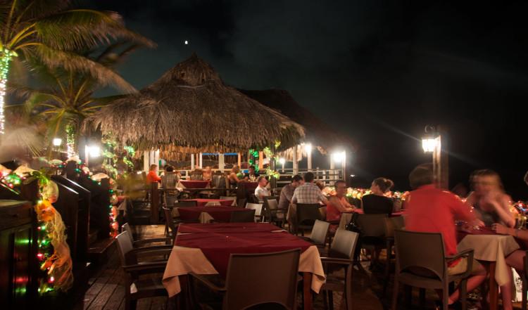 Scampi Restaurang, servering vid havet, Curaçao