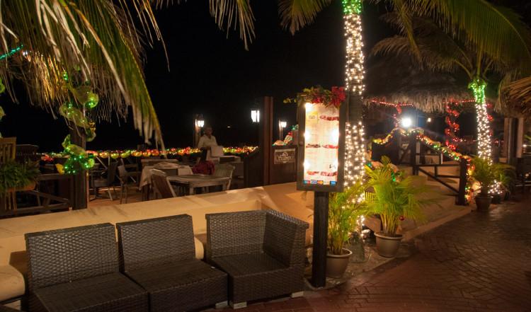 Det finns flera trevliga restauranger längst med havet i centrum i Willemstad, Curaçao
