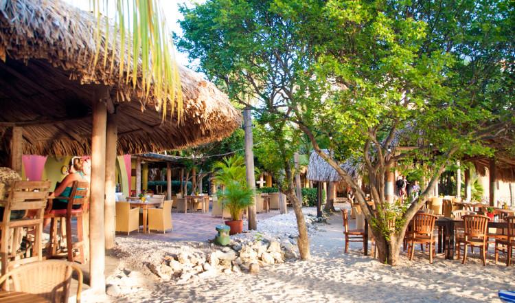 Stranden i tidig kvällssol, Blue Bay Curaçao Golf & Beach Resort