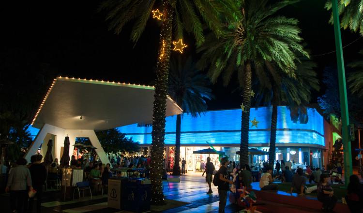 Kvällsliv på Española Way, South Beach, Miami
