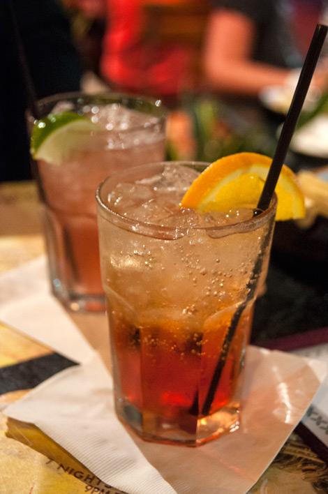 Drinkar på Van Dyke Cafe på Lincoln Road, South Beach Miami