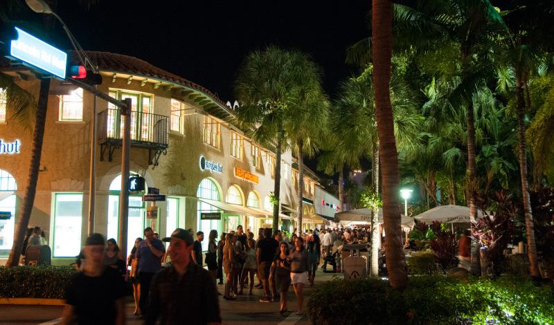 Lincoln Road kvällstid, South Beach Miami