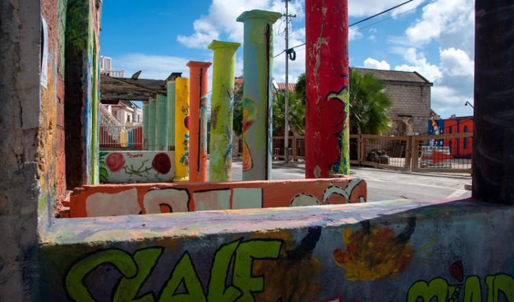 Graffiti hus längst Pietermaai i Willemstad, Curacao