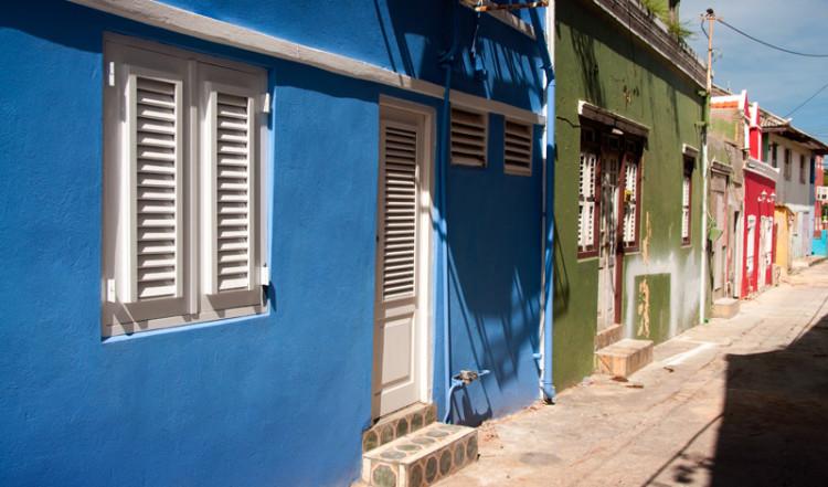 Färgglada hus i centrala Willemstad, Curacao