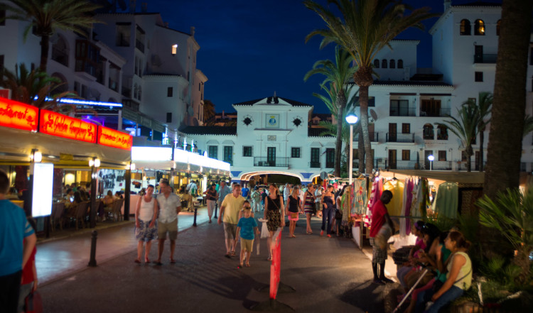 Kväll i Puerto de la Duquesa