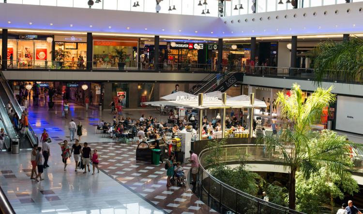 Inne på La Cañada Shopping center