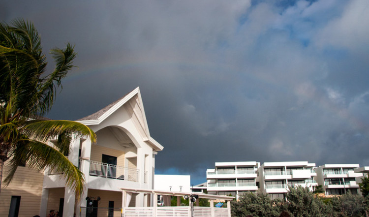 Regnbåge över Papagayo Beach Club, Curacao