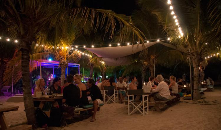 Zest Cafe på stranden i Jan Thiel, Curacao