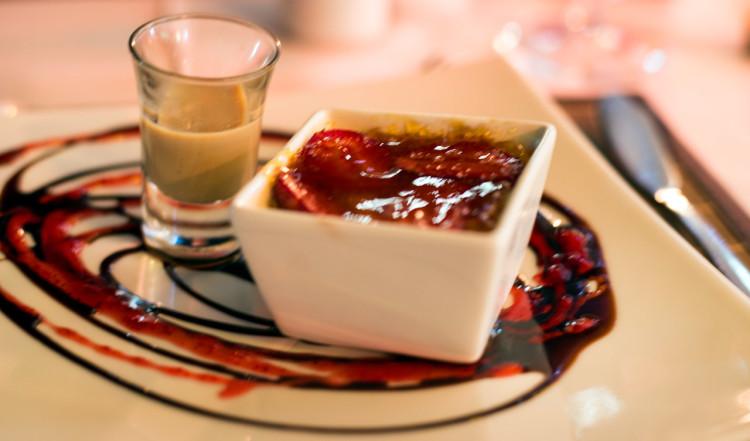 Dessert på Karibu Restaurant vid Waterfront
