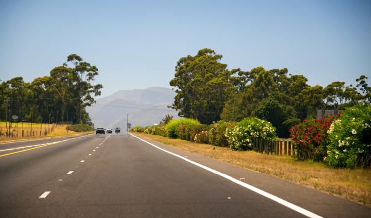 På väg från Kapstaden mot vindistrikt
