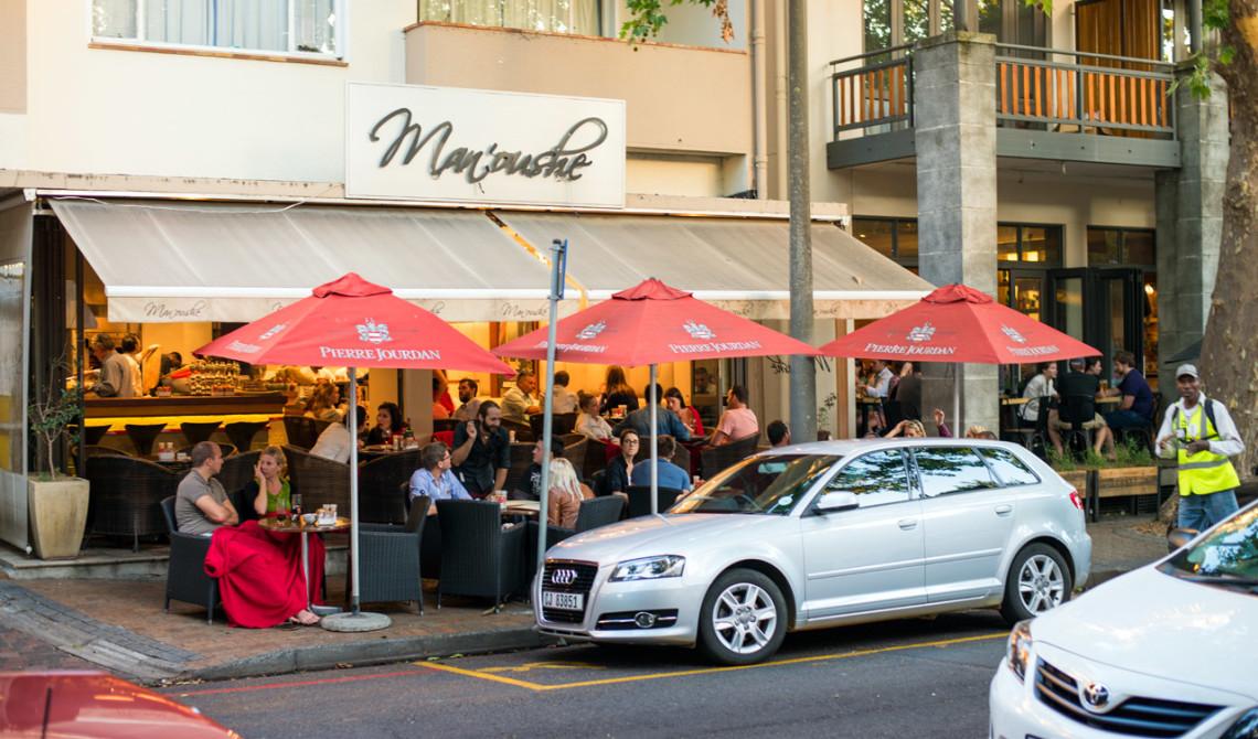 Det finns flera trevliga serveringar i Stellenbosch stad