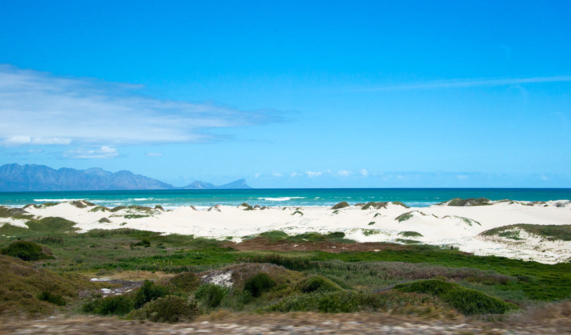 Längst kustvägen och False Bay i Sydafrika