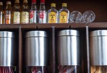 Välfyllt kylskåp och skafferi på Thanda Safari Lodge