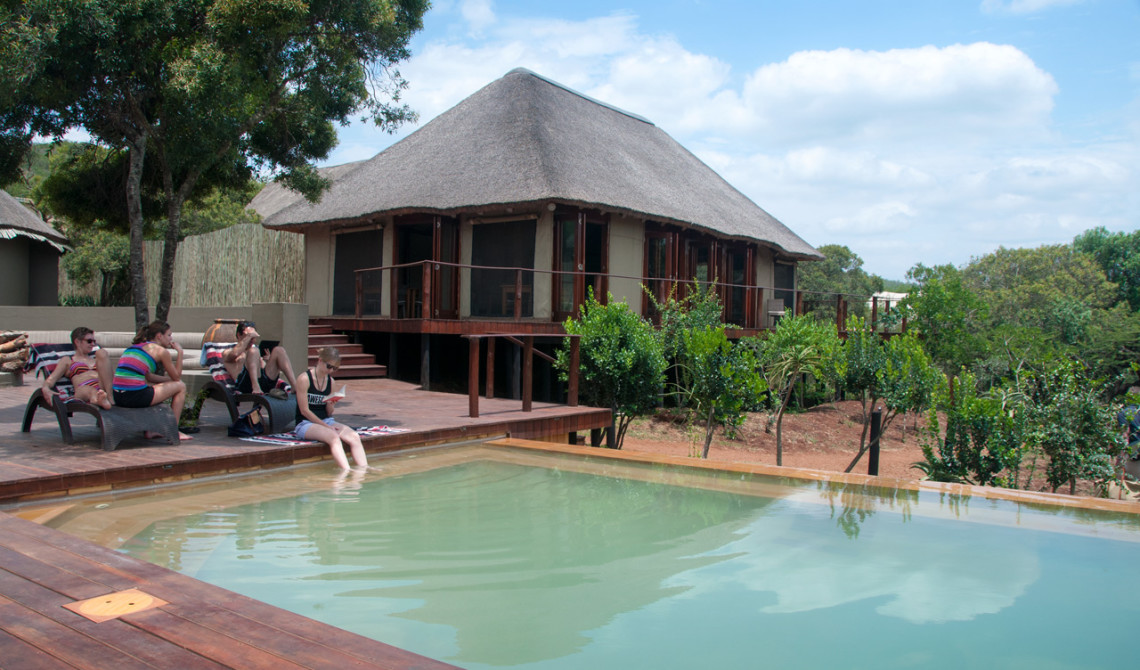 Poolen vid Thanda Tented Camp på Thanda Private Game Reserve
