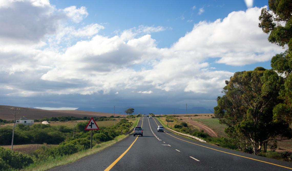Vackra vyer från bilen längs Garden Route, Sydafrika