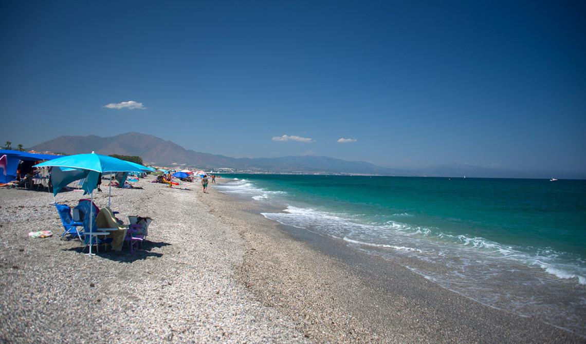 Stranden nedanför Floria Chiringuito