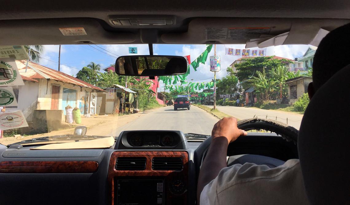 Upphämtade av vår chaufför och påbörjar 1,5 timmas körning mot norra delen av ön