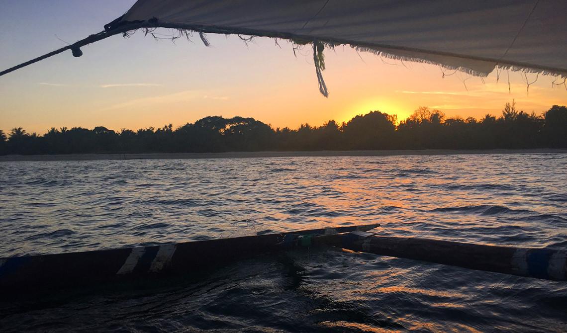 Sunset cruise bjuder på vacker solnedgång över Pemba ö