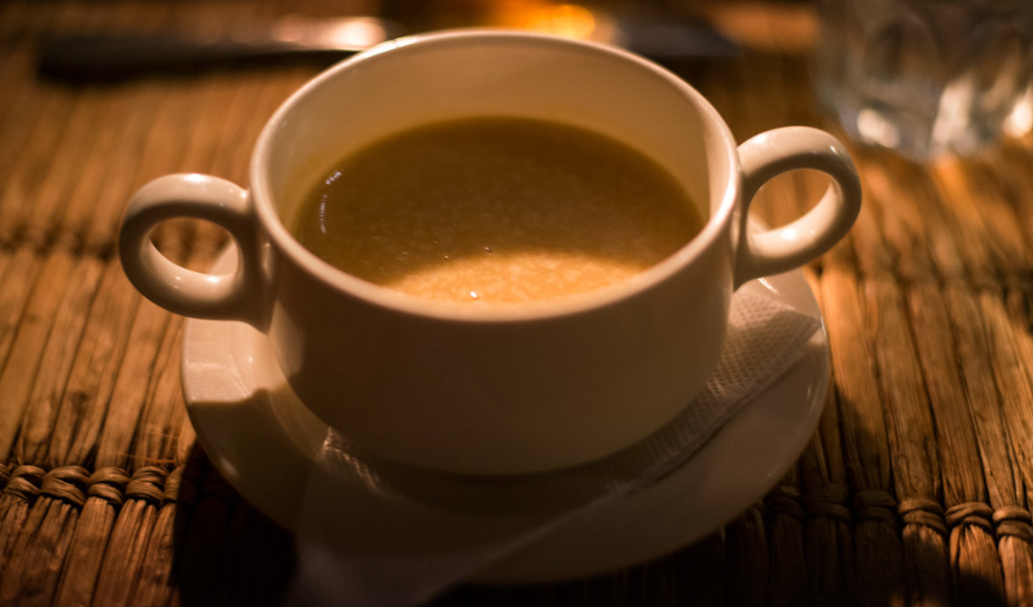 Soppa till förrätt på Manta Resort
