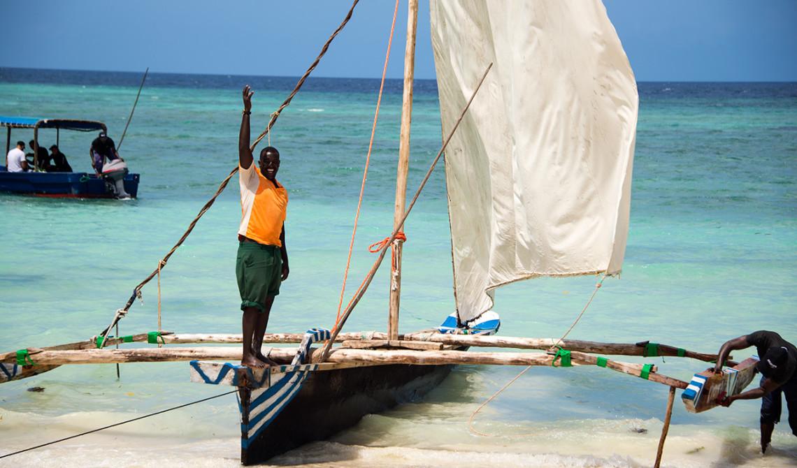 Ali vid hans båt