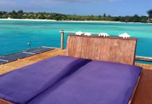 Solbädd uppe på taket till undervattensrummet