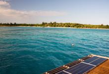 Vacker vy över Pemba och Manta Resort från taket till undervattensrummet
