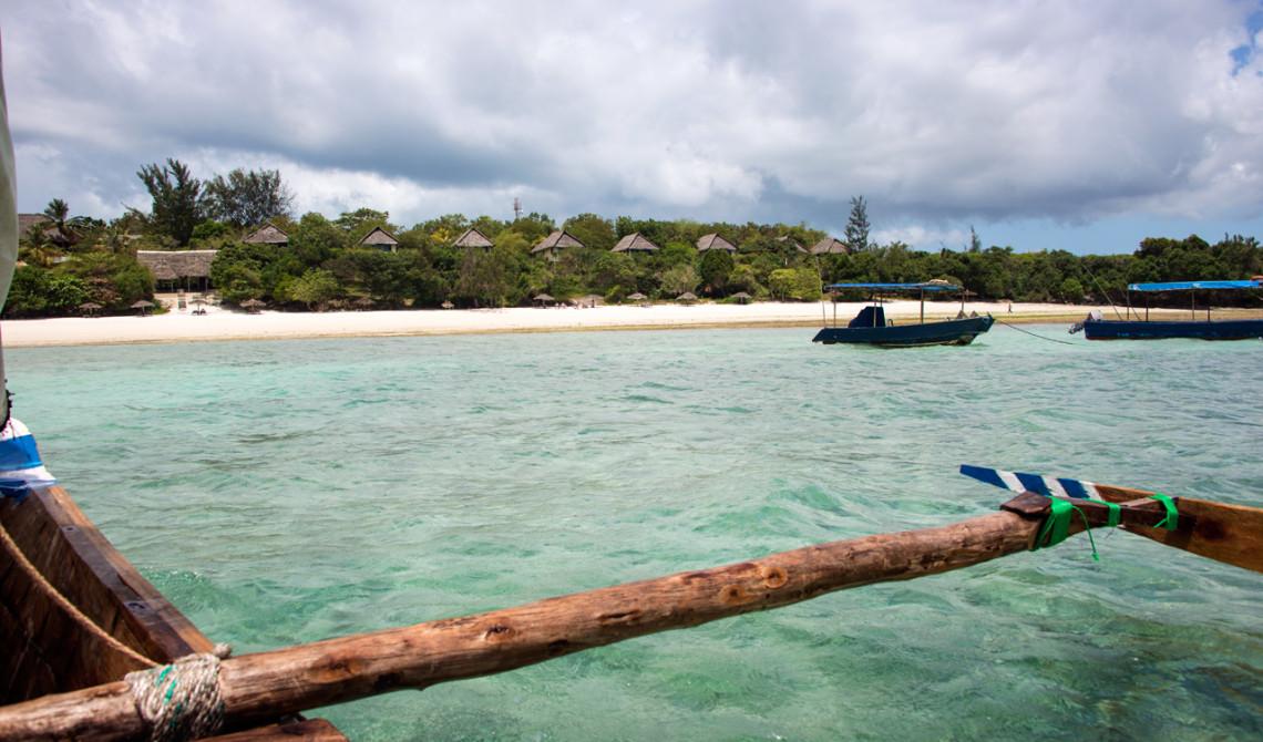 På väg tillbaka mot land och Manta Resort