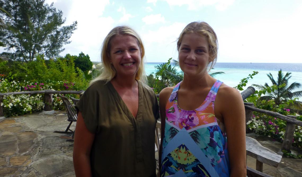 Anki och Rebecca som jobbar på Manta Resort