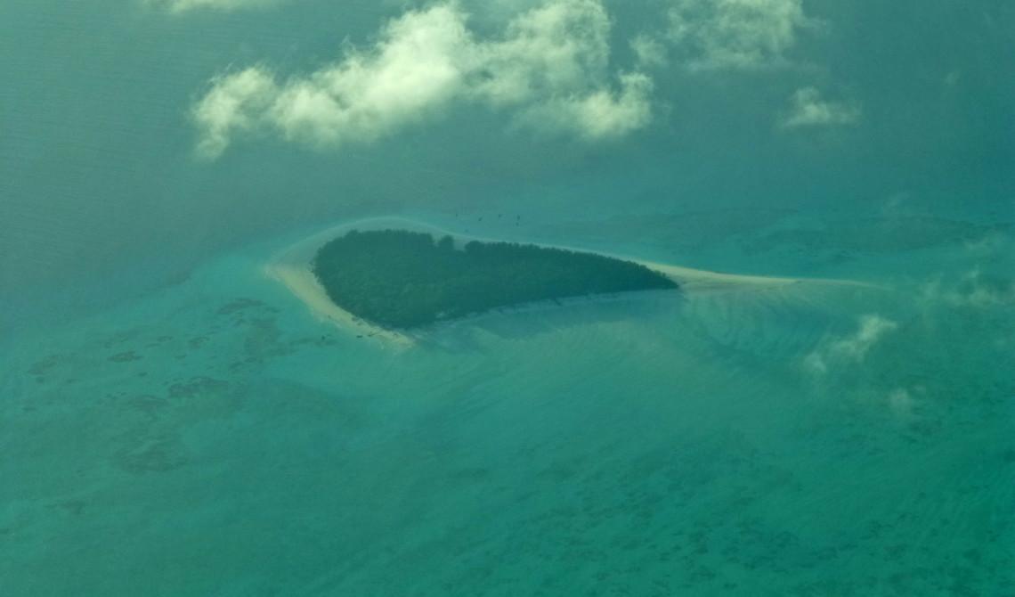 Vackra små öar nedanför oss